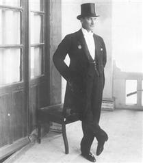 Atatürk`ün Şık Kıyafetleri