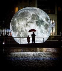 Ay Feriye'de Yeryüzüne İniyor