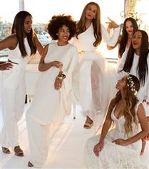 Beyonce annesinin düğününden fotoğrafları paylaştı