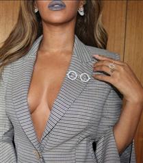 Beyonce'dan İlham Aldık: Gri Ruj
