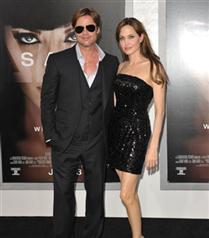 Brad ve Angelina estetik yaptırdı
