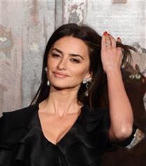 Chanel Pre-Fall 2020 Defilesinin Ünlü Davetlileri Büyüledi