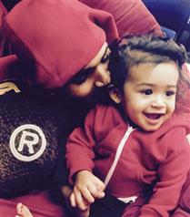 Chris Brown kızının fotoğrafını paylaştı