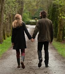 Çiftlerin Beden Dilinde El Ele Tutuşma Biçimi Neler Anlatıyor?