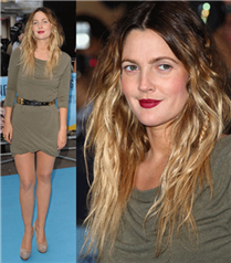Drew Barrymore`un iki tonlu saçları