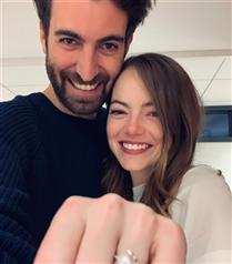 Emma Stone Nişanlandı!