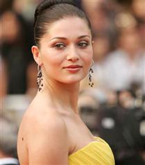 En güzel yüzlü kadın Nurgül Yeşilçay seçildi