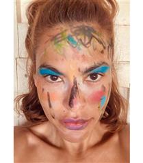 Eva Mendes'in Kızlarından Makyaj Görünümü!