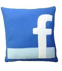 Facebook ikonlu yastık