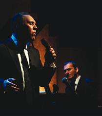 Fatih Erkoç ve Kerem Görsev sahnede