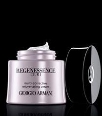 Giorgio Armani`nin güzellik ritüeli Regenessence