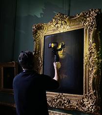 Hermitage Müzesi iPhone 11 Pro İle Tek Şarjla Tek Bir Planda Filme Alındı