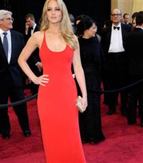 Jennifer Lawrence Scarlett`i hatırlattı