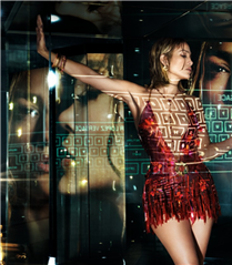 Jennifer Lopez Versace'nin İlkbahar/Yaz 2020 Kampanyasının Yüzü Oldu!