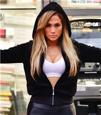 Jennifer Lopez'li Hustlers Filminden İlk Fragman Geldi
