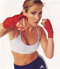 J.Lo kalçasını dövüşe borçlu!