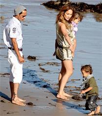 J.Lo ve ikizleri Gucci&#8217nin yüzü mü oluyor?