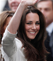 Kate Middleton ailesi ile birlikte
