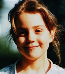 Kate Middleton`ın çocukluk fotoğrafları düğün sitesinde