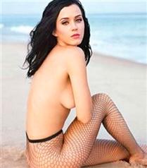 Katy Perry son kez çıplak