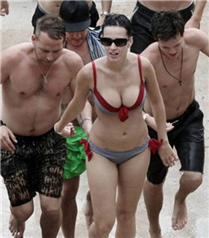 Katy Perry tatilde...