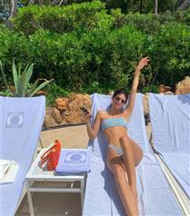 Kendall Jenner'ın İlham Veren Puantiyeli Bikini Görünümü
