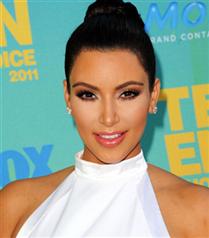 Kim Kardashian`ın gelinliği  Vera Wang