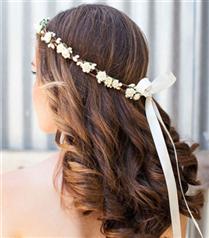 Kır düğünü için saç modelleri