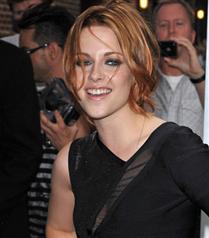 Kristen Stewart`ın yeni saçları