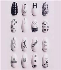 Logolu tırnaklar