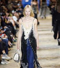 Louis Vuitton İlkbahar/ Yaz 2022