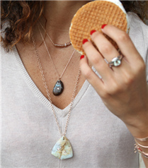 Mago Jewelry ve Cesi Menase`yi Tanıyalım