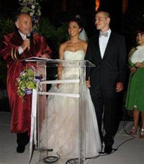 Merve Özal Bedii Atasagun ile evlendi