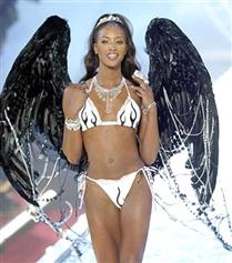 Naomi Campbell'ın Sektördeki En Büyük Destekçisi Olan İki Süpermodel