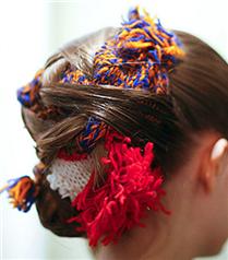NYFW`den çarpıcı saç modeli: Örgülü topuz