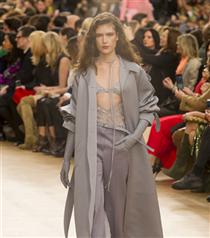 Paris Moda Haftası: Nina Ricci Sonbahar 2017