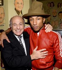 Pharrell Williams`ın Grammy şapkası