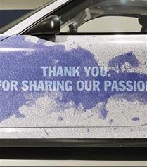 Porsche, Facebook zaferini araba tanıtımıyla kutladı