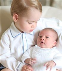 Prens George ve Prenses Charlotte`un beraber ilk fotoğrafı