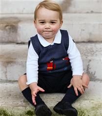 Prens George`un ilk resmi fotoğrafı
