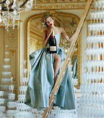 Scarlett Johansson Moet & Chandon iş birliği