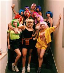 Sophie Turner'ın Bekarlığa Veda Partisinden Eğlenceli Kareler