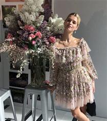 Stil Dosyası: Pixie Geldof'un İlham Verici Rahat ve Havalı Stili