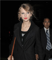 Taylor&#8217a her yerde özel muamele