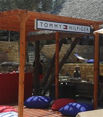 Tommy Hilfiger Yaz 2019 Mayo Koleksiyonunu Beach Pop-Up Etkinliğiyle Kutluyor