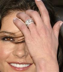 Ünlülerin nişan yüzüğü tercihleri