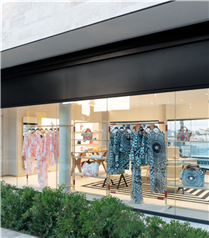 Valentino'nun Yeni Butiği Bodrum Yalıkavak'ta Açıldı