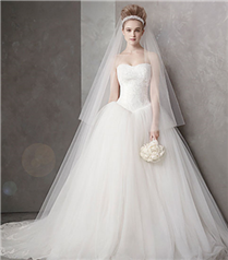 Vera Wang for David`s Bridal İlkbahar 2012