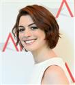 Anne Hathaway İlk Kez Çocuğunun Fotoğrafını Paylaştı