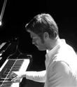 Kıvanç Tatlıtuğ Piyano Çaldı